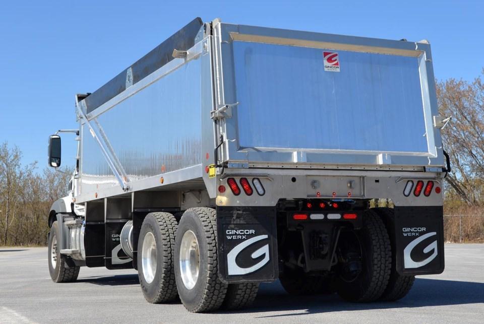 Mattawa truck manufacturer earns nod as top-growing company